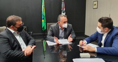 Em SP, prefeito se reúne com secretário de Estado sobre leitos de UTI